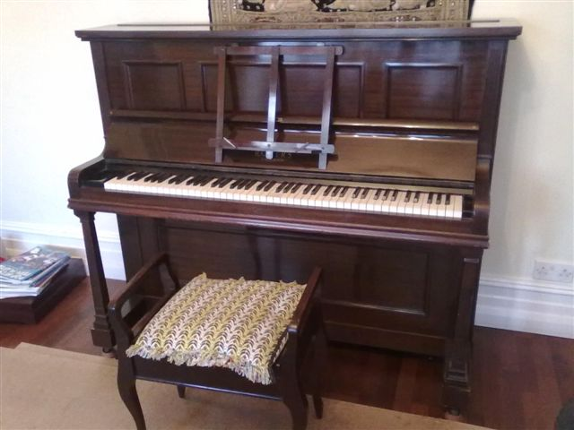 01022012 pianospeed piano movers essex to oxford george rogers upright 1615hrs piano. Black Bedroom Furniture Sets. Home Design Ideas